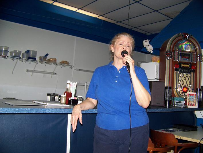 Singer at the dinner outing